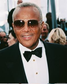 In honor of Veteran's Day, we highlight famous Black men and women who have served our country. We start with calyspo star, actor, activist and philanthropist Harry Belafonte, who joined the U. Navy after high school and served during World War II. Harry Belafonte, My Black Is Beautiful, Gorgeous Men, Famous Black, Black Celebrities, Celebs, Cinema, Raining Men, Actors