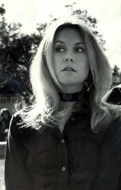 Elizabeth Montgomery, 1972. Bewitched was and is one of my favorite TV shows of all time. Always wished I could be a witch like Samantha