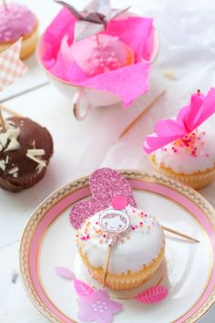 Cupcake Topper by Ishtar Olivera