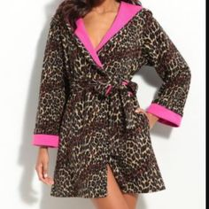 NWT Betsey Johnson Hooded Bathrobe Leopard plush microfleece fabric will keep you warm and cozy. Bright contrast lining and tacked cuffs. Price is firm Betsey Johnson Intimates & Sleepwear Robes