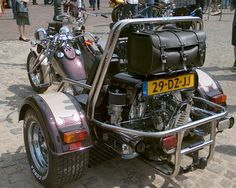 Bike (trike) with a VW engine. Can we have one Mcknelly Mcknelly Hornbeck 3 Wheel Motorcycle, Vw Trike, Vw Engine, Custom Trikes, T Bucket, Cars And Motorcycles, A Team, Hot Rods, Harley Davidson