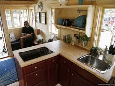 This Small Home On Wheels Is Nicer Than Most Studio Apartments - http://www.smallroomdesigns.com/small-home-ideas/this-small-home-on-wheels-is-nicer-than-most-studio-apartments.html