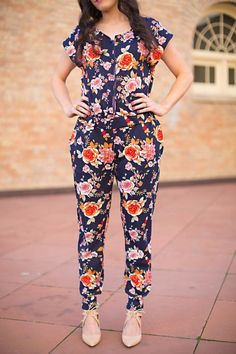 DIY Sewing Projects for Women - DIY Jumpsuit - How to Sew Dresses, Blouses, Pants, Tops and Fashion. Step by Step Tutorials and Instructions  http://diyjoy.com/diy-sewing-projects-for-women
