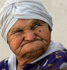 Funny Old Women Sometimes her friends would ask what she would do if her face were to freeze in frowns, but her Uncle John used to say that . Old Faces, Many Faces, Photo Portrait, Portrait Photography, Foto Face, Interesting Faces, People Around The World, Belle Photo, Old Women
