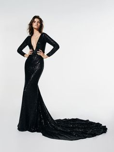 Glasgow mermaid dress in paillettes with train and long sleeves - Pronovias Glasgow, Style Work, Evening Dresses, Formal Dresses, Bride Dresses, Mode Inspiration, Plunging Neckline, The Dress, Dress Long