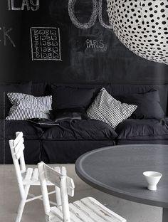 black & white www.barefootstyling.com