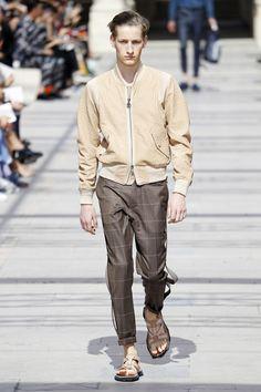 Louis Vuitton | Menswear - Spring 2017 | Look 3