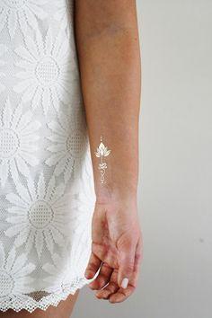 Tatouage temporaire de lotus unalome or / or par Tattoorary sur Etsy