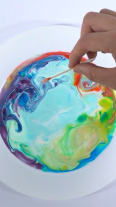 Milk Painting Can you imagine painting on milk? We show you this amazing colorful Magic Milk Painting Experiment with household materials you can find in the kitchen. It is a great Parent-child interacting science activity to do at home. Science Projects For Preschoolers, At Home Science Experiments, Science Crafts, Science Activities For Kids, Science For Kids, Preschool Crafts, Art For Kids, Toddler Activities, At Home Crafts For Kids
