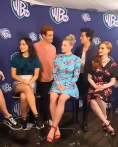 Riverdale Tumblr, Bughead Riverdale, Riverdale Funny, Riverdale Memes, Cole M Sprouse, Cole Sprouse Funny, Riverdale Poster, Riverdale Netflix, I Dont Fit In