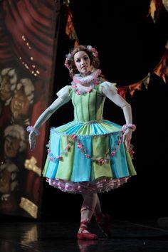 Lucy Green as Columbina in Pinocchio Photograph : Evan Li
