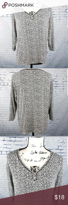 """J Jill Wearever Black & White Top Size S Petite J Jill Wearever Geometric 3/4 Sleeves Tunic Shirt Please know your measurements before purchasing.  Approximate Measurements are done flat and unstretched. Armpit to Armpit 20"""" Sleeve Length 13.5"""" Shoulders 20.5"""" Length 22.5"""" back side from neck to hem  Color may be slightly different in person due to my lighting. J. Jill Tops Tunics"""