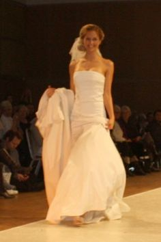 sjuls design OFA 2012 Wedding Fair, Wedding Gowns, Wedding Ideas, One Shoulder Wedding Dress, Photoshoot, Design, Fashion, Homecoming Dresses Straps, Moda