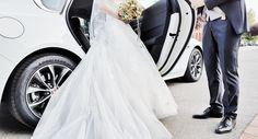 Getreu diesem Motto sucht man für die Hochzeitswege bzw. die Fahrten danach eine Limousine, stilvoll und elegant. In diesem Sinne habe ich für die Hochzeit, der ich hier bewohnen durfte, eine Limousine organisiert und gleichzeitig auch den Chauffeur gespielt. Ich… Limousine, Motto, Elegant, Wedding Dresses, Fashion, Addiction, Wedding, Classy, Bride Dresses