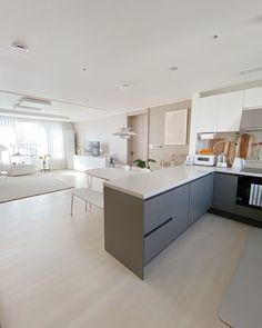 Condo Interior, Dream House Interior, Home Interior Design, Living Room Decor, Bedroom Decor, Studio Apartment Design, Aesthetic Rooms, Inspired Homes, Small Apartments