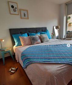Si no tienes para invertir en una estructura de cama... pues te comparto un basico de habitacion muy en tendencia y ni..muy muy ni...tan tan 😉... Ideas Para, Comforters, Blanket, Simple, Furniture, Home Decor, Bass, Beds, Trends