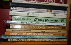 Tons of great, free beekeeping books to download. Beekeeping Library.