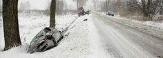 JAK ZWIĘKSZYĆ BEZPIECZEŃSTWO NA DROGACH ZIMĄ? https://samochody.io/blog/jak-zwiekszyc-bezpieczenstwo-na-drogach-zima-pow95sw2hj/ #zima #wypadki #bezpieczeństwo