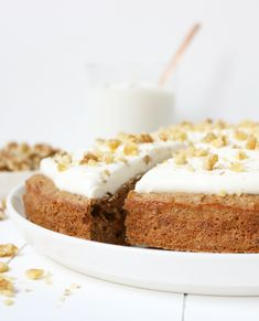 HEALTHY CARROT CAKE -
