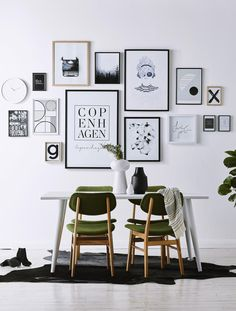 31 Hottest Wall Gallery Design Ideas For Perfect Wall Decor Inspiration Wand, Gallery Wall Layout, Gallery Walls, Art Gallery, Gallery Frames, Diy Casa, Bedroom Wall, My Room, Home Projects