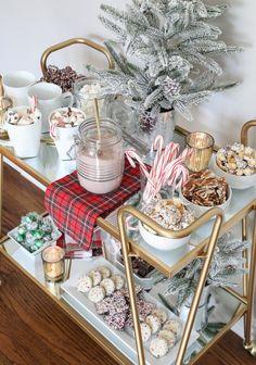 Creative Christmas Bar Cart Ideas for Holiday Entertaining Styling a Hot Cocoa Bar Cart Bar Cart Styling, Bar Cart Decor, Gold Bar Cart, Tea Cart, Hot Cocoa Bar, Hot Chocolate Bars, Vegan Chocolate, Chocolate Recipes, Christmas Decorations