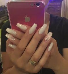 Off White Nails