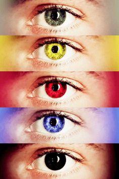 los ojos de todos los integrantes de teen wolf... en lobos .,