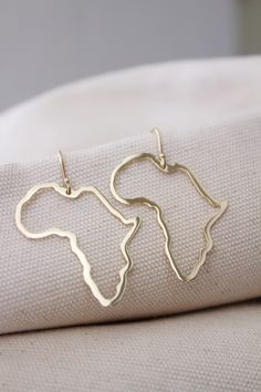 gold Africa earrings / solid gold Map of Africa earrings / yellow gold Africa outline earrings / big Africa dangles Big Earrings, Etsy Earrings, Africa Outline, Gold Map, Africa Map, Girls Best Friend, Solid Gold, Dangles, Outlines