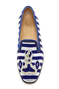 Love the nautical style!