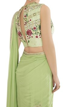 Looking For Stylish Blouse Designs For saree Sari Blouse Designs, Fancy Blouse Designs, Saree Blouse Patterns, Blouse Styles, Anarkali, Patiala Salwar, Lehenga Choli, Indian Outfits, Woman Clothing