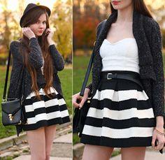 Black Apricot Striped High Waist Elastic Flare Skirt