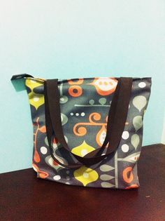 Totebag linen custom print with leather strap 1 bag 1 motif size 40 cm x 35 cm x 10 cm price IDR 250.000 cp: +62 81227800577