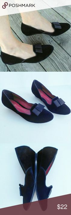 """Vintage Velvet Wedge Loafers These vintage, black, velvet, wedge, loafer style, shoes by Liz & Co have a black front bow and are in superb condition! Size 7.5 and fit true to size. Wedge is just over 1"""" tall. Insole has cushioning. Vintage Shoes Wedges"""