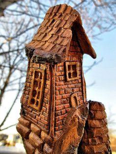 Bark Carving Whimsical Houses: Casa De Hadas, Ladrillo, Casa Caprichosa, Talla De