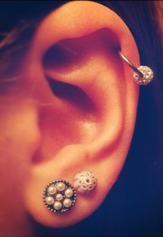 how to make your ear piercing close up