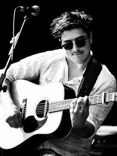Marcus Mumford from Mumford & Sons. I can't believe I'm seeing them in almost a week!!!