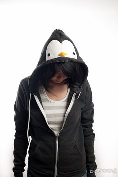 This penguin hoodie is ready to be added to your closet! Fits XS - M Women or Small Men. See the last pic for measurement. Be a fan!
