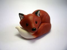 My auntie made this fabulous 3d design and it is a fox very detailed.