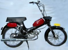 Motor Scooters, Cars And Motorcycles, Bike, Vehicles, Minis, Water, Autos, Vespas, Nostalgia