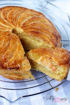 Dutch Recipes, Baking Recipes, Cupcakes, Cake Cookies, Mousse Au Chocolat Torte, Pie Dessert, Sweet Bread, Kitchen Recipes, Kitchens