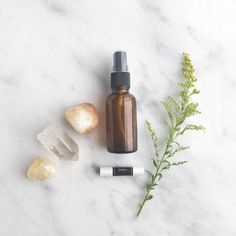Curious about essential oils, but not sure where to start? Read this easy, at home guide to essential oils for beginners. Black Pepper Oil, No Sugar Diet, Parts Of A Plant, Best Essential Oils, Cream And Sugar, Little Boxes, Natural Cleaning Products, Diy Beauty, Cleaning Hacks