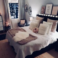 Best Way To Make Home Decor On A Budget Apartment Small Rooms Living Room . - best way to get home decor on a budget apartment small rooms living room – room - Cute Bedroom Ideas, Cute Room Decor, Room Ideas Bedroom, Small Bedroom Decor On A Budget, Girls Bedroom, Girl Rooms, Budget Living Rooms, Small Flat Decor, Room Decor Bedroom Rose Gold