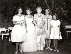 "The 4 daughters of Infanta Maria Cristina of Spain with their grandmother Queen Victoria Eugenie, ""Ena"", of Spain.  The 2 on the right are Maria and Anna.  The 2 on the left are Vittoria and Giovanna, or vice versa."