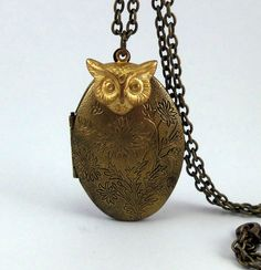 Owl Locket Necklace - Free Shipping. $22.00, via Etsy.