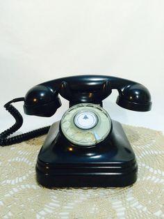 Antigo Telefone De Baquelite.anos 50-funcionando. - R$ 420,00 no MercadoLivre