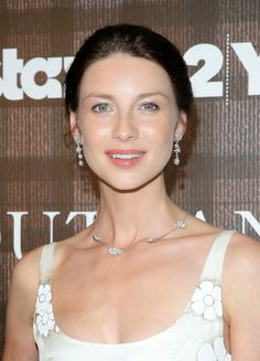 gems about jewels: Outlander's Caitriona Balfe Sparkles in Van Cleef & Arpels at Starz Screening in NYC
