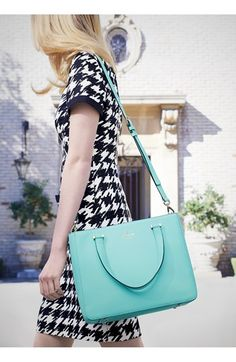 Houndstooth and a pop of blue? I'm in love!
