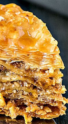 How To Make Baklava: a step-by-step tutorial ❊ - Sweet Food Greek Desserts, Köstliche Desserts, Greek Recipes, Delicious Desserts, Dessert Recipes, Yummy Food, Puff Pastry Recipes, Cookie Recipes, Phyllo Dough Recipes