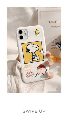 The design of these cases is inspired by two lovely peanuts comic strip characters, Snoopy and Charlie Brown, Cartoon peanuts iPhone case is made of soft, flexible and durable silicone and has a pleasant touch. Mobile Phone Cases, Diy Phone Case, Phone Covers, Iphone Hacks, Iphone 11, Diy Christmas Gifts, Valentine Gifts, Charlie Brown Christmas, Mobile Covers