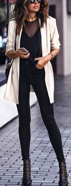 #winter #outfits  black scoop-neck top with beige cardigan. Pic by @london_style_blog.